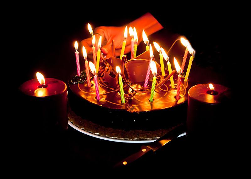 Bonjour à tous! - Page 16 800px-happy_birthday